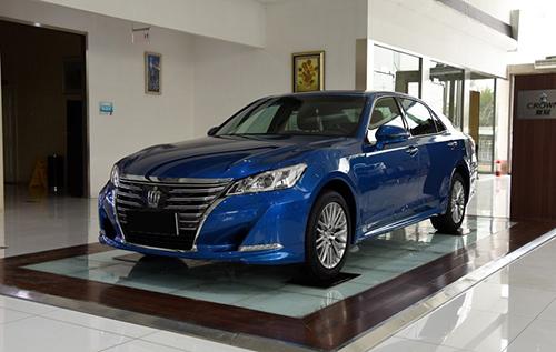 台州2017款丰田皇冠最高优惠1.5万元